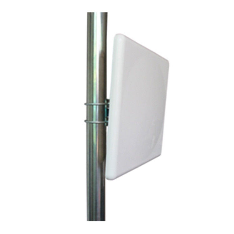 Outdoor Wifi Wall Mount Panel Datar Patch Antena 4g LTE Eksternal 4900 - 5900MHz 15dBi pemasok